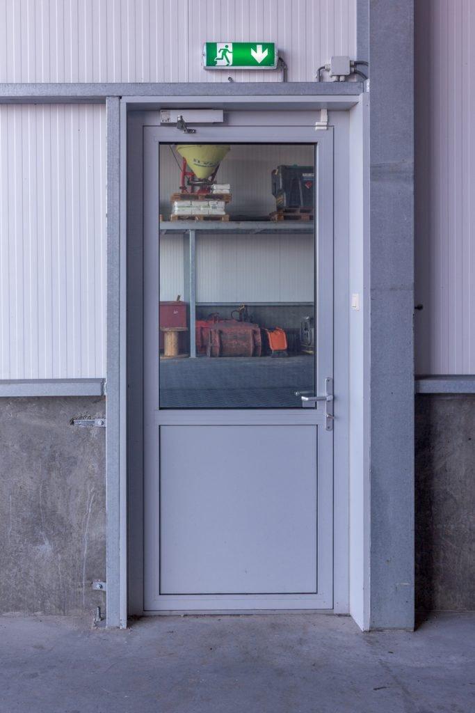 Aluminium vliesgevel kozijnen Staphorst Aluvo Russcher Kraanverhuur